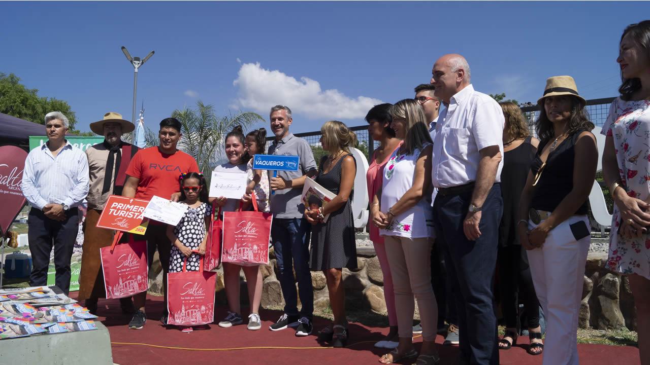 Salta: Vaqueros tuvo como escenario a la Costanera para recibir a los primeros turistas