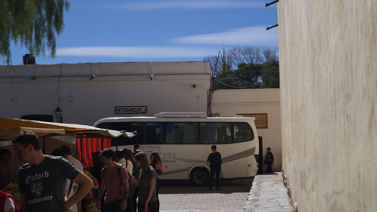 Salta: Unos cien vehículos para el transporte de turistas marcharán el lunes por la ciudad