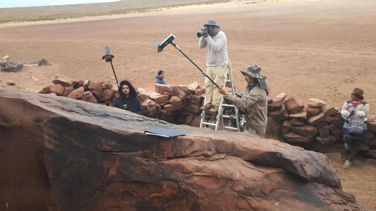 Jujuy: Registraron el estado de conservación de los petroglifos de Laguna Colorada